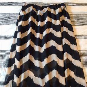 NWT Black/Tan Chevron Skirt